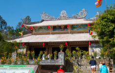 The main temple of the Long Son Pagoda