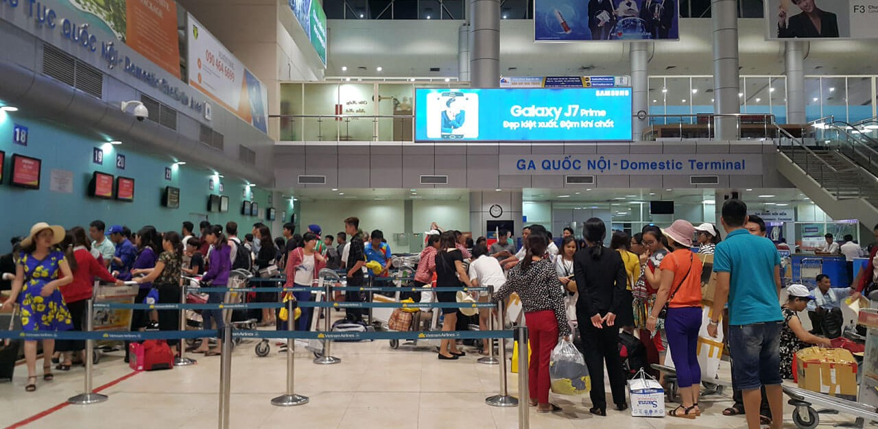 Cam Ranh Airport Passengers Checking in