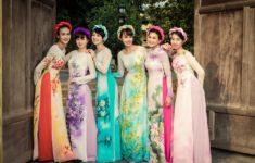 6 girls in Ao Dai (Vietnamese Dress)