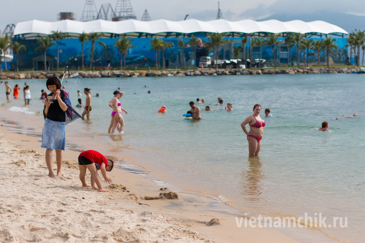 Vinpearl beach: photo