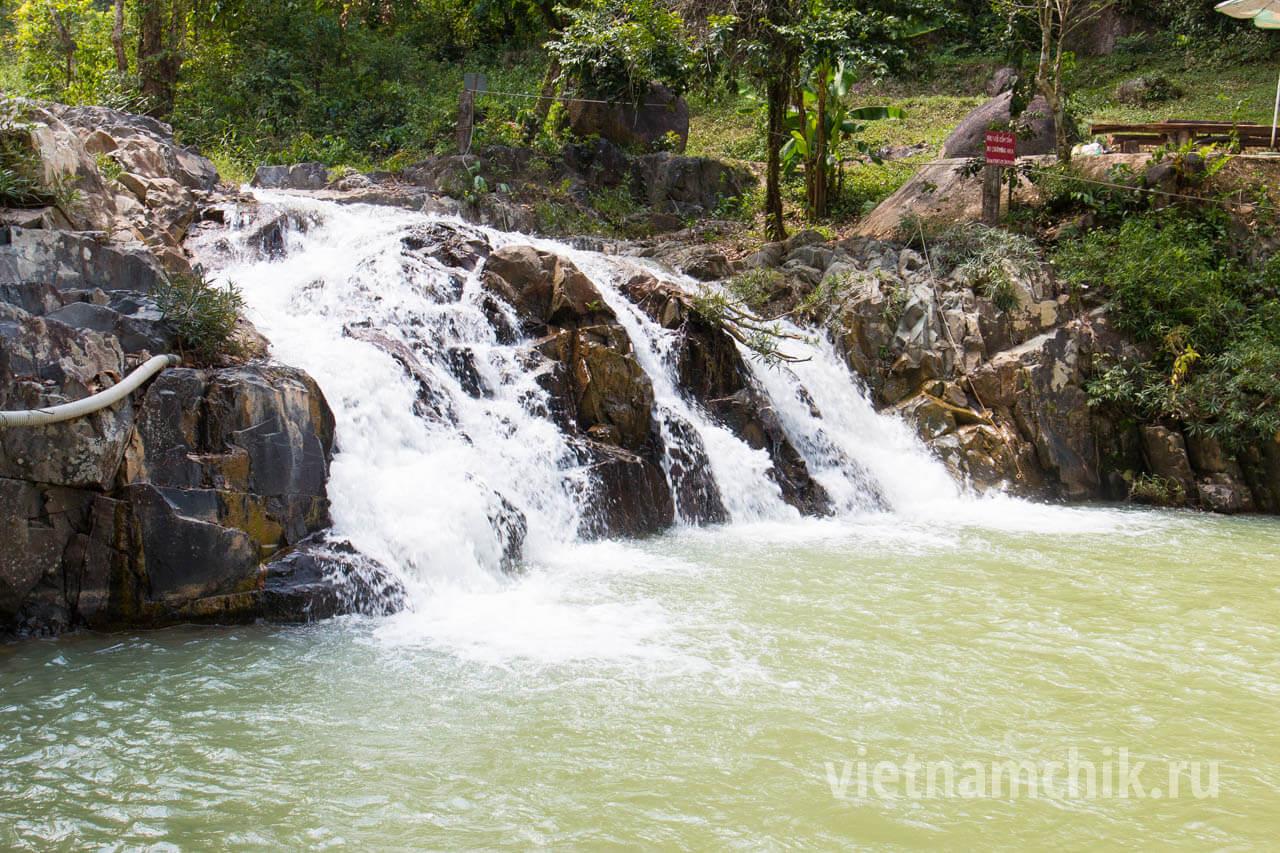 Янг Бэй Водопад