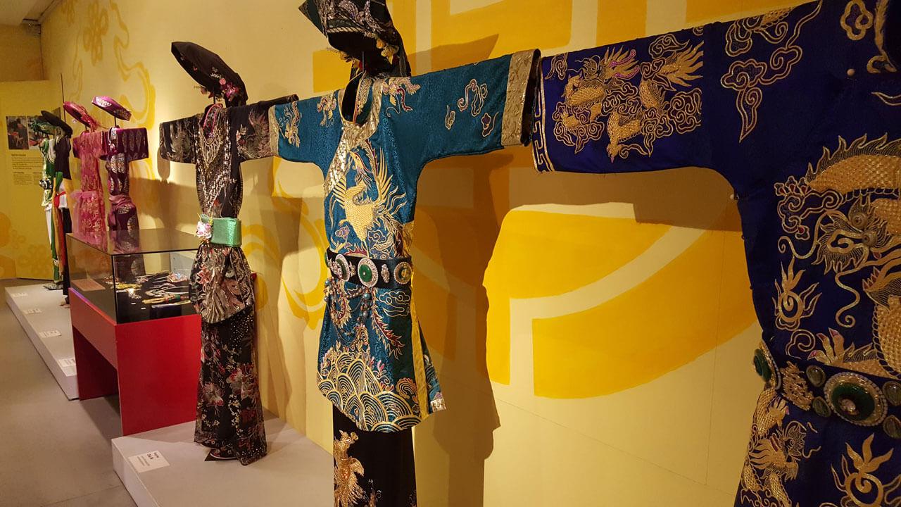 Vietnamese women's outfits