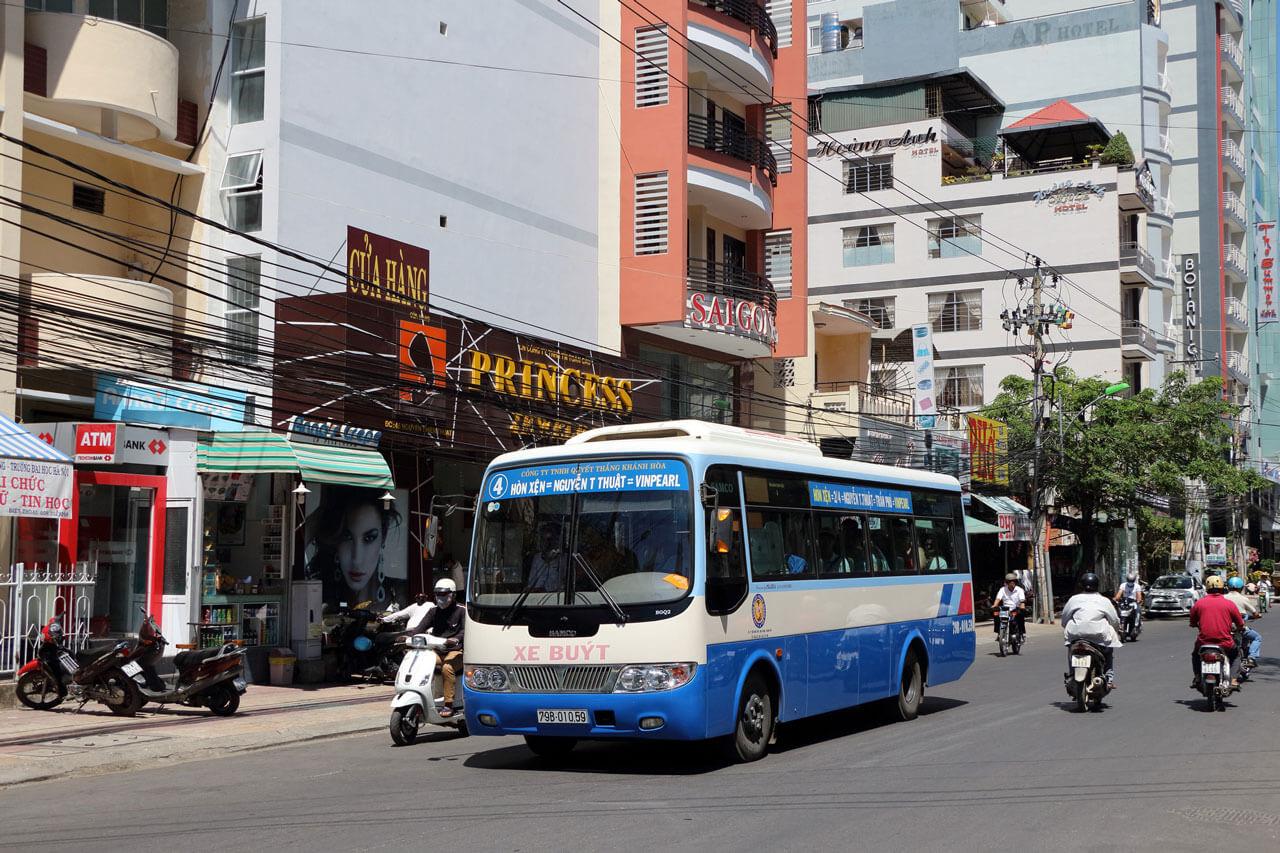 Автобус №4 в Нячанге