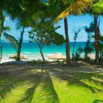 Собственный пляж отеля White Sand Doclet Resort and Spa