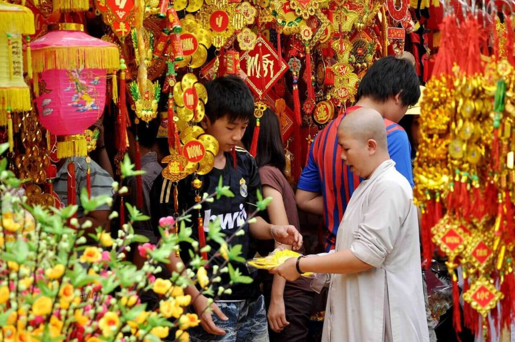 tet holiday Tet holiday - journey vietnam tet typically will be granted for 7 days the specific days taken will depend on how theses dates fall over a weekend, and extra days may be spread holidays to bridge to weekendstet is often celebrated on the same day as chinese new year due to the calculations of the moon calendar.