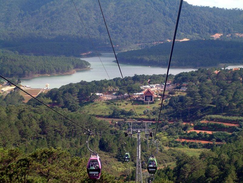 Cable way in Dalat to Chuk Lam monastery