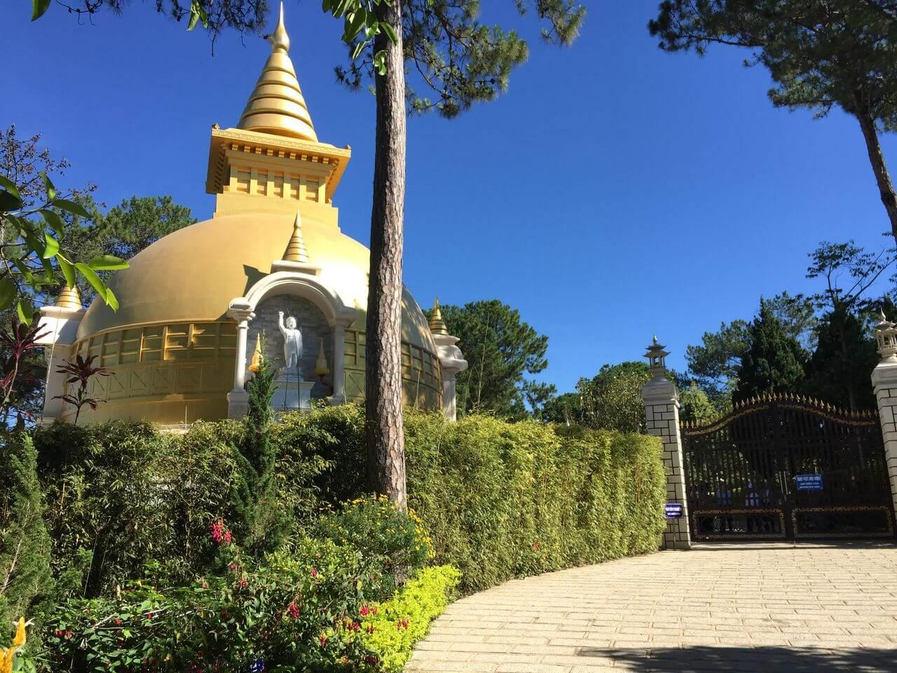 Монастырь Чук Лам и канатная дорога в Далате