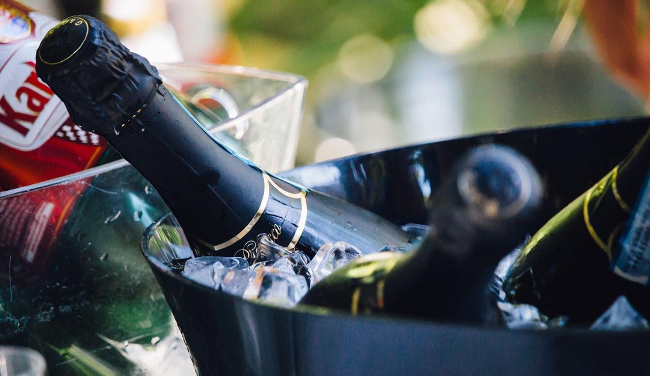 Алкоголь везти не обязательно