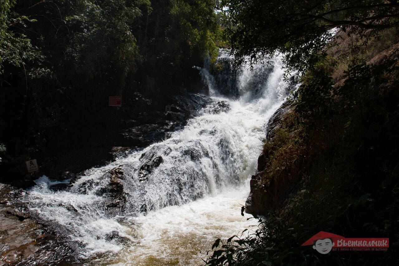 The most extreme falls of Dalat