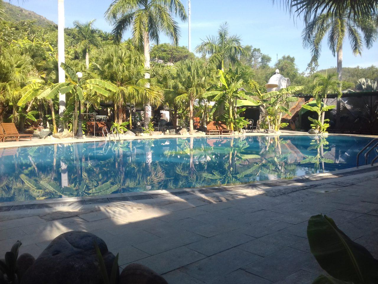 Hospital pool