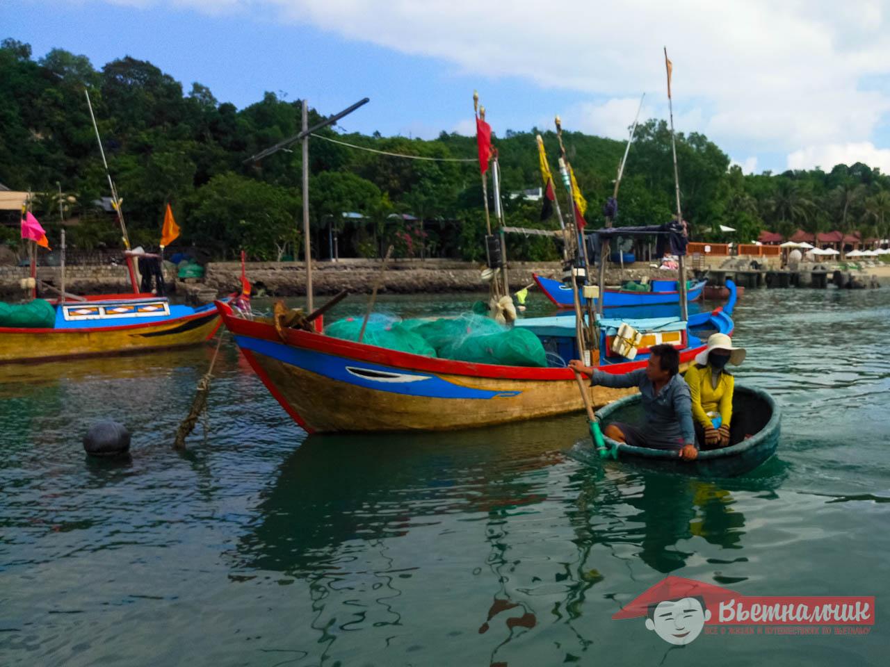 Тхунг Чай - лодка-тазик