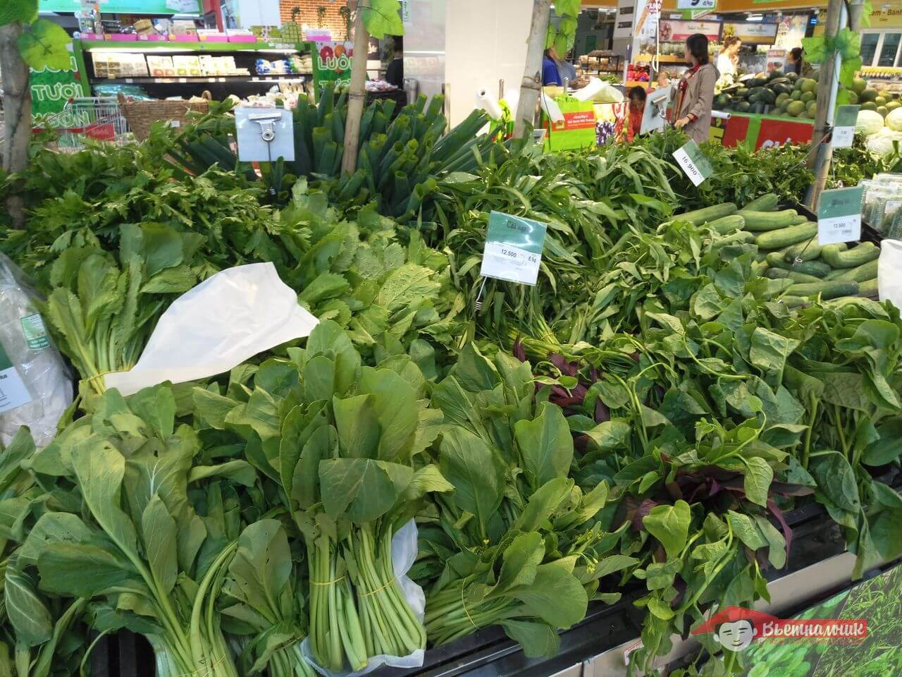 Прилавок с зеленью в BigC Нячанг: фото